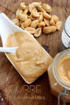 Beurre de cacahuète maison Healthy Drinks, Healthy Recipes, Healthy Food, Thermomix Desserts, Good Food, Yummy Food, Homemade Peanut Butter, Food Videos, Food Inspiration