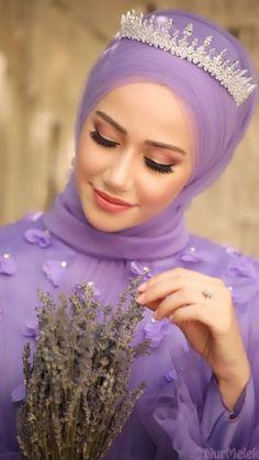 Henna Head Models for Hijabs Modest Fashion Hijab, Hijab Style Dress, Street Hijab Fashion, African Fashion Dresses, Abaya Fashion, Hijab Chic, Wedding Hijab Styles, Muslim Wedding Dresses, Disney Wedding Dresses