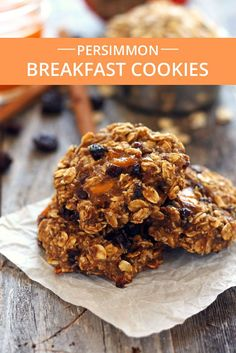 Quick and easy egg and dairy-free oatmeal cookies. Sweet Hachiya persimmon pulp, mashed banana and hearty rolled oats in a tasty cookie you can feel good about eating for breakfast. via Toaster Oven Love Sugar Free Cookies, Yummy Cookies, Oatmeal Cookies, Persimmon Cookies, Persimmon Recipes, Banana Breakfast Cookie, Pulp Recipe, Roasted Almonds, Dessert Recipes