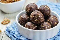 Nutrisystem provides a recipe for the chocolatey treat of your dreams with this guilt-free yet decadent Chocolate Cherry Bliss Balls recipe. Love Food, A Food, Food And Drink, Decadent Chocolate, Chocolate Cherry, Craving Chocolate, Dog Food Recipes, Dessert Recipes, Desserts