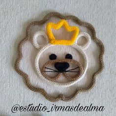 Lyon, Leão, Rei da Selva o majestoso felino ❤️🦁 irá nos visitar mais vezes por aqui ❤️ . Spool Knitting, String Art, Lyon, Crochet, Kids Room, Banner, Crafty, Diy, Wire Crafts