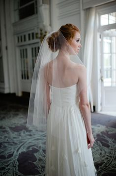 Single Layer Tulle Bridal Veil Mid Length with Plain Edge in Ivory or White by Fine & Fleurie. $40.00, via Etsy.