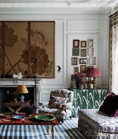 """Paris home, featured in interiors editor and photographer Miguel Flores-Vianna's book """"Haute Bohemians."""" Photo: From """"Haute Bohemians"""" by Miguel Flores-Vianna, Used with permission from Vendome. Bohemian Interior, Bohemian Decor, Stylish Interior, Asian Interior, Bohemian Design, Parisian Room, Cabana Magazine, Paris Home, Boho Stil"""