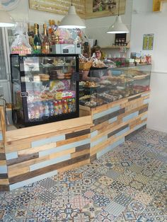 This beautiful bakery is called Buenas Migas (Valencia) and they put our #HeritageMix collection on the floor.