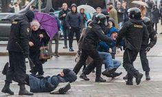 larus' riot police arrested hundreds of demonstrators and dozens of journalists Saturday in a police crackdown that seemed designed to prevent the spread of public discontent over the declining economy and the autocratic government of President Alexander Lukashenko.
