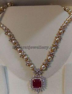 South Pearls Diamonds Simple Floral Set
