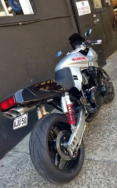 Suzuki GSX 1100 S Katana.too cool for words, always loved the big Kat' Suzuki Bikes, Suzuki Motorcycle, Racing Motorcycles, Motorcycle Design, Custom Motorcycles, Custom Bikes, Katana, Vespa, Moto Cafe