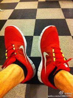http://www.youtube.com/watch?v=D3pdkpMOE_g  wholesale replica nike free run 2 shoes,wholesale mens nike free run 2 shoes, cheap designer nike free run 2 shoesree