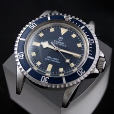 Tudor Sub Snowflake. LOVE the hands on it! Fancy Watches, Dream Watches, Antique Watches, Men's Watches, Sport Watches, Cool Watches, Watches For Men, Tudor Heritage Black Bay, Tudor Black Bay