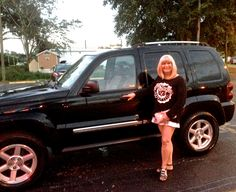 My 2006 Jeep Liberty.... love... isn't it nice?