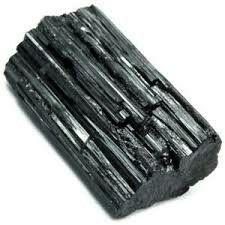 Turmalina negra, para potenciar su efecto puedes utilzarla en Tameana-El Triángulo.
