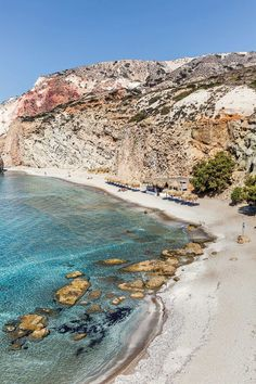 Often the boutique, quiet and often overlooked island of the famous Cyclades group, view our 3 day itinerary to explore Milos Island Holidays In September, Places To Travel, Places To Go, Greece Islands, Going On Holiday, Amazing Destinations, Greece Destinations, Travel Destinations, Greece Travel