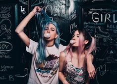 Image about cute in aesthetic photos ❗ by strangersoul Street Photography, Portrait Photography, Best Friend Pictures, Friend Pics, We Heart It, Gal Pal, Cute Girl Face, Photo Black, The Most Beautiful Girl