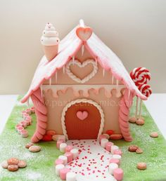 Sugar House Cake - CakesDecor
