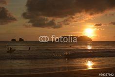 Abendstimmung an der Playa Espadilla in Costa Rica