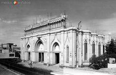 Construcción del Templo Expiatorio del Sagrado Corazón. León, Guanajuato (ca. 1950).