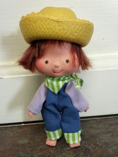 Vintage Huckleberry Pie Strawberry Shortcake Doll.