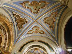 Ornamentación barroca de bóveda de capilla lateral.