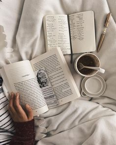 coffee and books photography Book Aesthetic, Aesthetic Pictures, Aesthetic Coffee, Journal Aesthetic, Photos Amoureux, Coffee And Books, Study Inspiration, Study Notes, Study Motivation