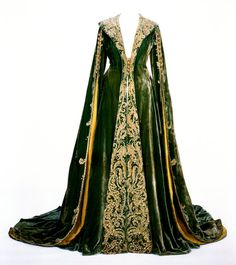 Green velvet dressing gown worn by Vivien Leigh as Scarlett OHara in Gone With The Wind. Image courtesy Harry Ransom Center.