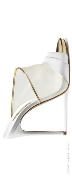 Women's Fashion High Heels : MontanaRosePainter : Photo Hot Shoes, Crazy Shoes, Me Too Shoes, Pretty Shoes, Beautiful Shoes, Zapatos Shoes, Shoes Heels, Kinds Of Shoes, Wedding Shoes