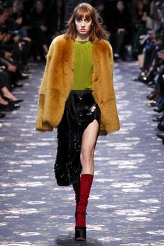 Rochas Fall 2016 Ready-to-Wear Collection Photos - Vogue