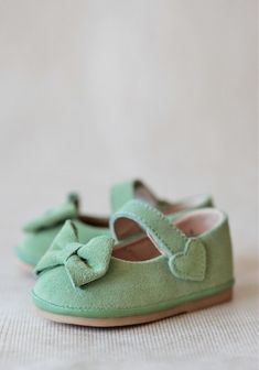 how cute are these mint green baby mary janes!!?