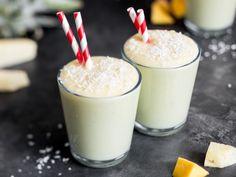 Karibischer Ananas-Mango-Smoothie mit Kokosmilch