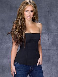 Jennifer Love Hewitt, nice pic of her.  love her hair too in this pic