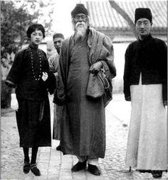 林徽因、泰戈尔、徐志摩 Traditional Fashion, Traditional Outfits, Fan Ho, 1920s Men, Oriental, Flapper Style, 1920s Style, 1920s Flapper, China Art