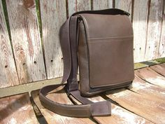 Waterfield Personal Muzetto Man Bag | #USMADE | http://www.sfbags.com/products/muzetto-leather-bag