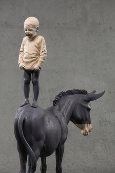 Houtsculpturen van Willy Verginer