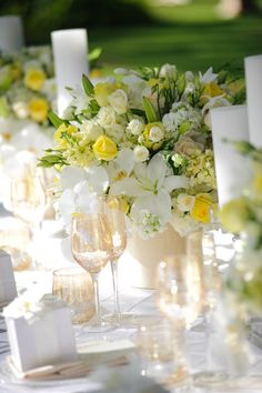 This is a clever spin on the tropical trend; softening the colours by using white, yellow and green for a fresher scheme. If this is more your thing, crisp white linens, simple tableware and silver accents would look fab.