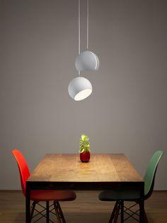 Mit der Designleuchte TILT GLOBE von Nyta leuchtet ihr den Raum perfekt aus - der Leuchtschirm ist beweglich, damit sich das Licht perfekt ausrichten lässt. https://www.designort.com/produkt/tilt-globe/ #design #lamp #leuchte #scandinavian #skandinavisch