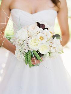Pretty fall bouquet: http://www.stylemepretty.com/2015/03/30/fall-palm-springs-estate-wedding/ | Photography: Lane Dittoe -  http://lanedittoe.com/
