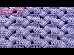 The crochet entrelac is a young technique that is rising in popularity in the crochet world. The entrelac stitch creates a visually alluring graphic texture. Puff Stitch Crochet, Crochet Video, Crochet Cord, Crochet Fabric, Crochet Flower Patterns, Crochet Stitches Patterns, Crochet Motif, Crochet Carpet, Tutorial Crochet