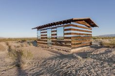 rows-mirrors-shack-desert-01