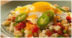 Huevos Rancheros Mexican Breakfast Recipes, Mexican Food Recipes, Ethnic Recipes, Breakfast Menu, Breakfast Club, Breakfast Ideas, Huevos Rancheros, Ore Ida, How To Cook Potatoes