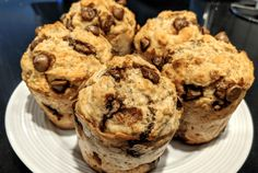Recipe banana muffins and chocolate health - circular line. Easy Snacks, Easy Desserts, Oatmeal Energy Balls Recipe, Gourmet Recipes, Snack Recipes, Health Recipes, Healthy Breakfast Muffins, Chocolate Muffins, Muffin Recipes
