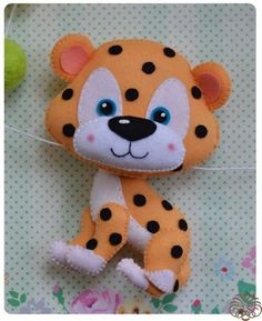 Three wild cats from felt - Rukodelion Felt Diy, Felt Crafts, Diy And Crafts, Arts And Crafts, Felt Animal Patterns, Stuffed Animal Patterns, Fabric Toys, Felt Fabric, Art Tigre