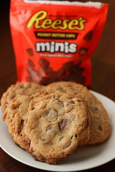 Things that look good to eat: Reese's Peanut Butter Cup Cookies