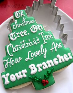 I& sure some of you are familiar with Pam of CookieCrazie . She designed a new chrsitmas tree cutter that you can get over at KarensCookie. Holiday Treats, Christmas Treats, Christmas Baking, Christmas Holidays, Green Christmas, Merry Christmas, Best Christmas Recipes, Christmas Goodies, All Things Christmas
