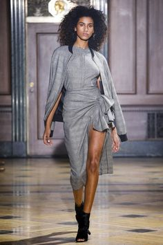 Catwalk photos and all the looks from Sophie Theallet Autumn/Winter Ready-To-Wear New York Fashion Week Fall Fashion 2016, Runway Fashion, High Fashion, Fashion Show, Autumn Fashion, Womens Fashion, Sophie Theallet, Catty Noir, Costume