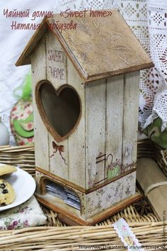 чайный домик House Painting, Painting On Wood, Wood Crafts, Diy And Crafts, Wood Projects, Projects To Try, Diy Mod Podge, Tea Box, Bird Houses