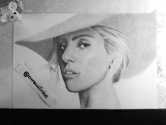 "Polubienia: 180, komentarze: 15 – @mrscalinka na Instagramie: ""#ladygaga Art supplies @kohinoor_hardtmuth #draw #drawing #pencils #portrait #artwork #singer…"""