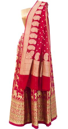 Maroon Kadhuan Shikaarga Kalidaar lehenga available only at Pernia's Pop Up Shop.