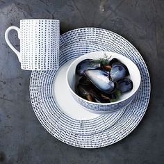 Hand-Painted Dotted Dinnerware Set #westelm Contemporary Dinnerware, Modern Dinnerware, Dinnerware Diy, Dinnerware Designs, White Dinnerware, Pebeo Porcelaine 150, Holly Would, Blue And White China, Mugs Set