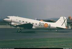 C-47 (DC-3) Spanish Air Force Mcdonald Douglas, Spanish Air Force, Douglas Aircraft, Air Space, Commercial Aircraft, Army & Navy, Military History, Dakota, Postwar