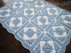 Gorgeous! Authentic Vintage Blue & White Sawtooth  Crib QUILT 50x39 www.vintageblessings.com