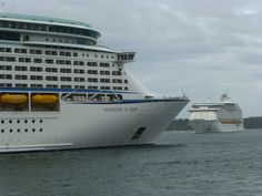 Voyager of the Seas meets Explorer of the Seas, Sydney Harbour.